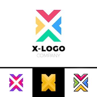 Koncepcja logo x list z czterema strzałkami