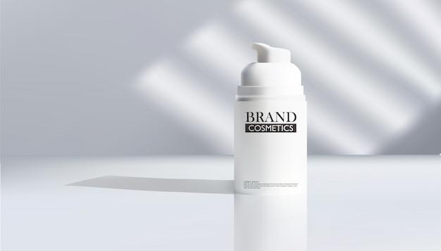 Koncepcja pielęgnacji skóry. naturalne twarde światło, głębokie cienie.