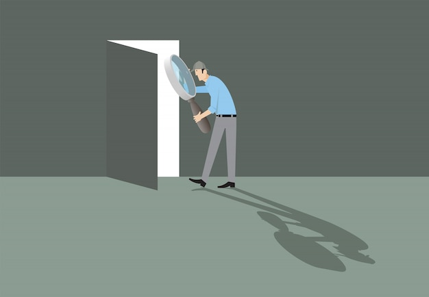 Koncepcja pokoju ewakuacyjnego. człowiek z lupą znalezienie drzwi do wyjścia.