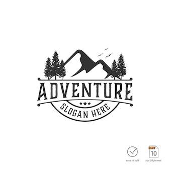 Koncepcja projektu górskiego dla logo przygody