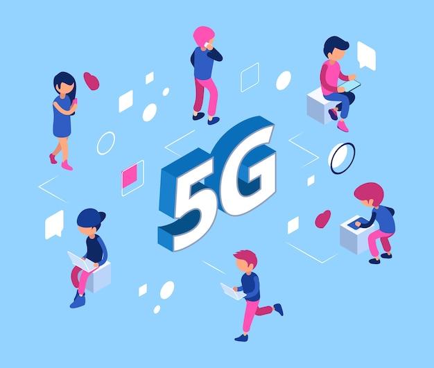 Koncepcja sieci 5g. izometryczna sieć wi-fi 5g. ludzie ze smartfonami, laptopami, tabletami. komunikacja między różnymi laptopami i gadżetami ilustracja wifi piątej generacji