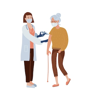 Koncepcja szczepień covid-19. stara kobieta po zastrzyku szczepionki. pielęgniarka lub lekarz daje strzał w ramię. leczenie i opieka zdrowotna.