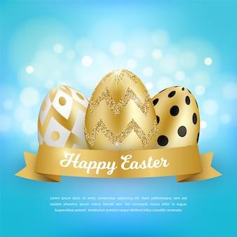 Koncepcja wesołych świąt z realistycznymi złotymi jajkami, wstążką, tekstem na niebieskim tle. dekoracyjna wiosna