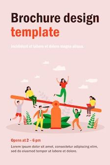 Konkurs drużynowy biznes. grupy ludzi balansujące na huśtawce, obciążające wagę. ilustracja dla porównania, przewaga, równowaga, koncepcja pracy zespołowej