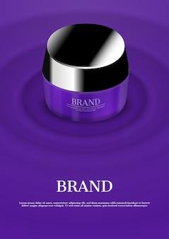 Kosmetyczna śmietanka na purpurowej koncentrycznej wodnej fala
