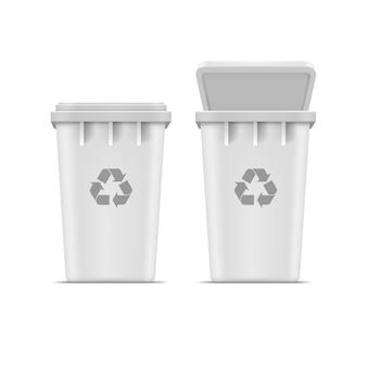 Kosz na śmieci i śmieci na białym tle