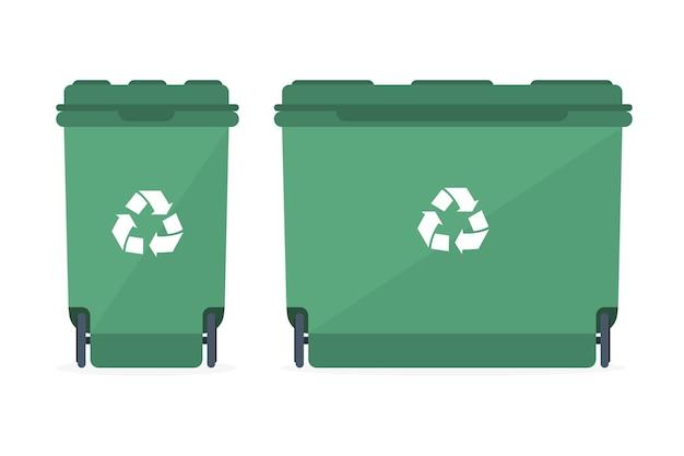 Kosze na śmieci o różnych rozmiarach ze znakiem recyklingu.