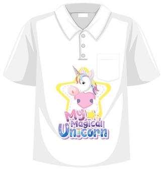 Koszula jednorożca na białym tle