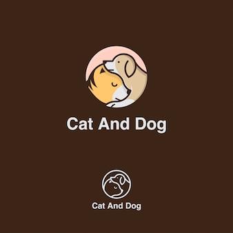 Kot i pies w kręgu logo