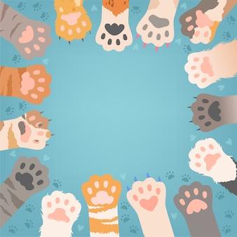 Koty łapa tło. śmieszne kociaki domowe lub dzikie zwierzęta różne łapy z pazurami ilustracje wektorowe. kot łapa z pazurem, zwierzę dziki kotek