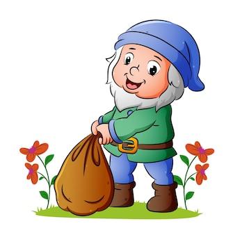 Krasnolud wiąże duży worek z ziemią w ogrodzie ilustracji