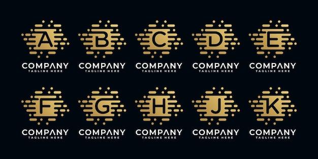 Kreatywna kolekcja początkowego logo złotej litery