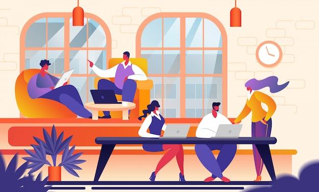 Kreatywni młodzi ludzie w nowoczesnym biurze coworkingowym.