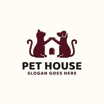 Kreatywny pomysł pet house dog and cat hipster vintage logo design dla sklepu zoologicznego i sklepu dla zwierząt