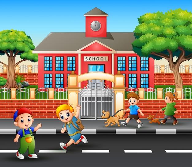 Kreskówka chłopców chodzących i cieszących się na drodze