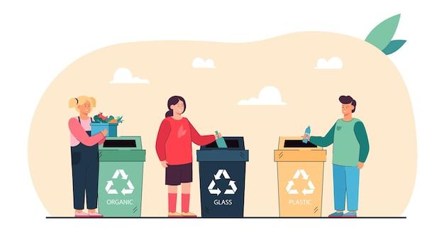 Kreskówka dzieci sortujące śmieci płaską ilustrację