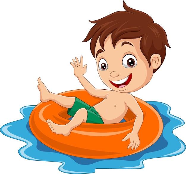 Kreskówka mały chłopiec pływający z nadmuchiwanym pierścieniem