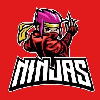 Kreskówka maskotka ninja trzyma gwiazdę broni shuriken