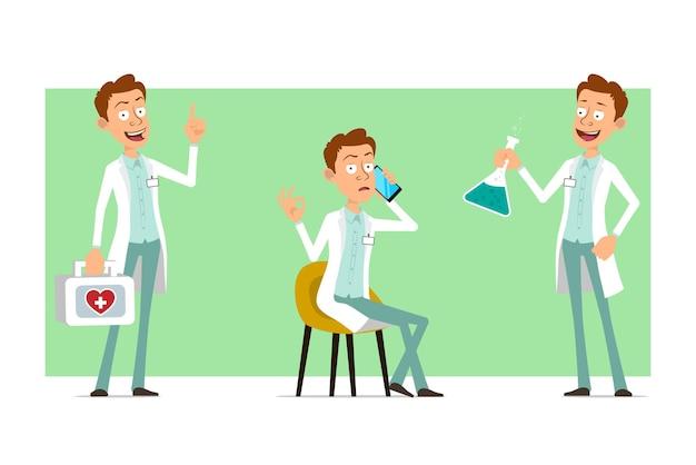 Kreskówka mężczyzna śmieszne lekarz postać w białym mundurze z odznaką. chłopiec trzymając kolby chemiczne i apteczkę pierwszej pomocy.