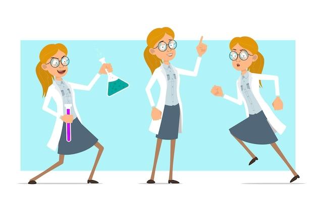 Kreskówka płaskie śmieszne blondynka lekarz postać kobiety w białym mundurze i okularach. dziewczyna trzyma kolby chemiczne i pokazuje znak ostrzegawczy.