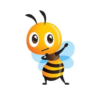 Kreskówka śliczna pszczoła robi pozę dabbingową