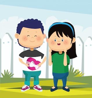Kreskówka śliczna szczęśliwa dziewczyna i chłopak z czekoladowym pudełkiem nad białym ogrodzeniem