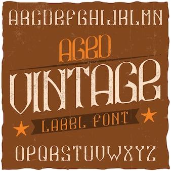 Krój pisma vintage etykiety o nazwie vintage. dobra czcionka do użycia w wszelkich starych etykietach lub logo.