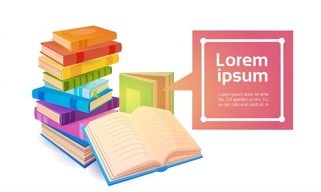 Książki stos edukacji szkolnej koncepcja