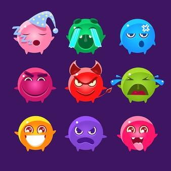 Kuliste postacie w różnych kolorach emoji set