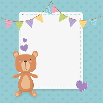 Kwadratowa karta baby shower z małym misiem i girlandami