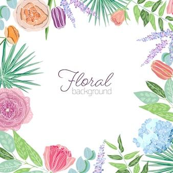 Kwadratowy szablon karty ozdobiony ramką lub ramką wykonany z eleganckich kwitnących kwiatów i liści.