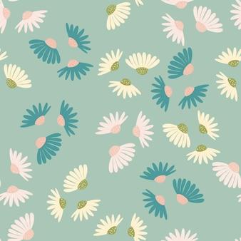Kwiat wzór z elementami losowych kwiatów białej stokrotki. niebieskie pastelowe tło. prosty styl. przeznaczony do projektowania tkanin, nadruków na tekstyliach, zawijania, okładek. ilustracja wektorowa.