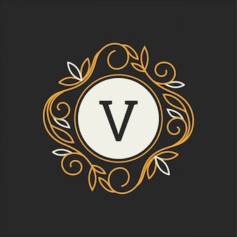 Kwiatowy monogram, klasyczny ornament