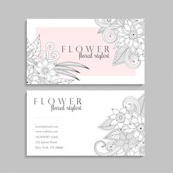 Kwiatowy ręcznie rysowane szablon wizytówki