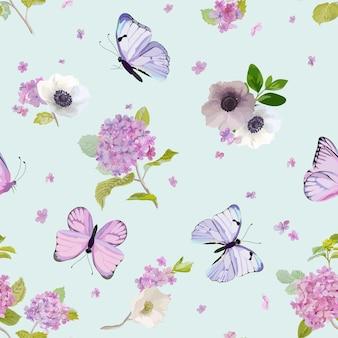 Kwiatowy wzór z kwitnącymi kwiatami hortensji i latającymi motylami w stylu akwareli