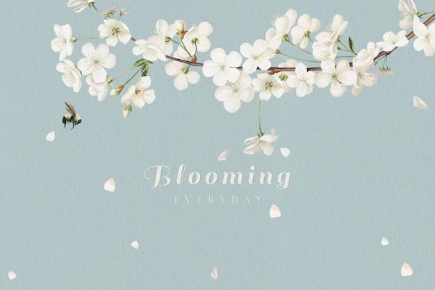 Kwitnące białe kwiaty