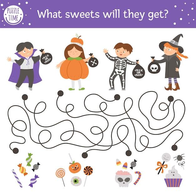 """Labirynt halloween dla dzieci. jesienna aktywność edukacyjna do druku z dziećmi w strojach. zabawny dzień zmarłej gry lub układanki ze sceną """"cukierek albo psikus"""". jakie słodycze dostaną dzieci"""