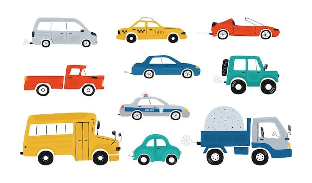 Ładna kolekcja kolorowe samochody na białym tle na białym tle. ikony w stylu wyciągnąć rękę dla projektu