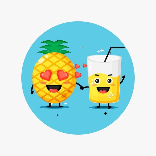 Ładny ananas i sok ananasowy maskotka, trzymając się za ręce