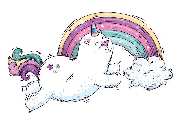 Ładny kot jednorożca i tęczy z chmurami