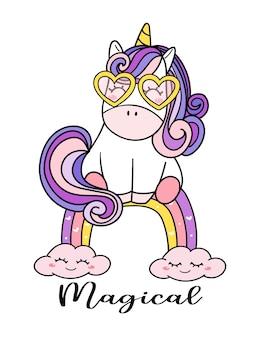 Ładny magiczny fioletowy jednorożec dziecko w okularach siedzi na tęczy, ilustracja kreskówka doodle, przedszkole styl st