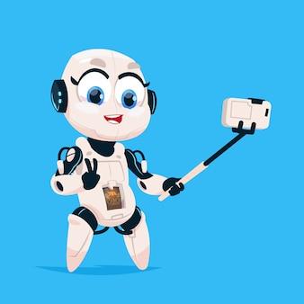 Ładny robot wziąć selfie zdjęcie robota dziewczyna na białym tle ikona na niebieskim tle