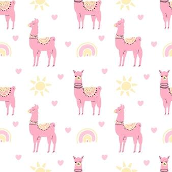 Ładny różowy lama bezszwowy wzór z tęczą słońca serca na białym tle