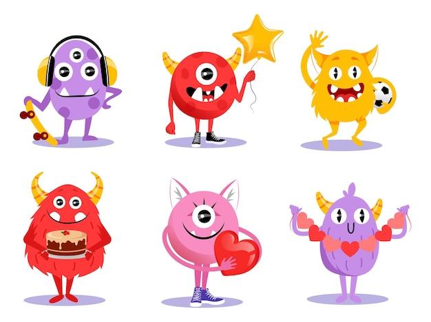 Ładny zestaw różnych postaci z kreskówek potworów w stylu płaski. ilustracja z zabawnymi stworzeniami na białym tle. komiks potwory halloween z rogami, wielkimi zębami i oczami uśmiecha się, macha.