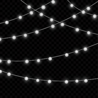 Lampki choinkowe na przezroczystym tle. świąteczna girlanda świecąca.