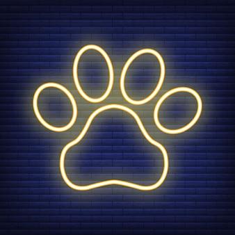 Łapa z ikoną neon serca. koncepcja medycyny opieki zdrowotnej i opieki nad zwierzętami. zarys i czarne zwierzę domowe. symbol zwierząt, ikona i odznaka. prosta ilustracja wektorowa na ciemny mur.