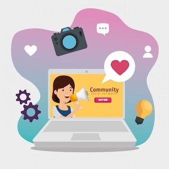 Laptop z dziewczyną profil społecznościowy wiadomość