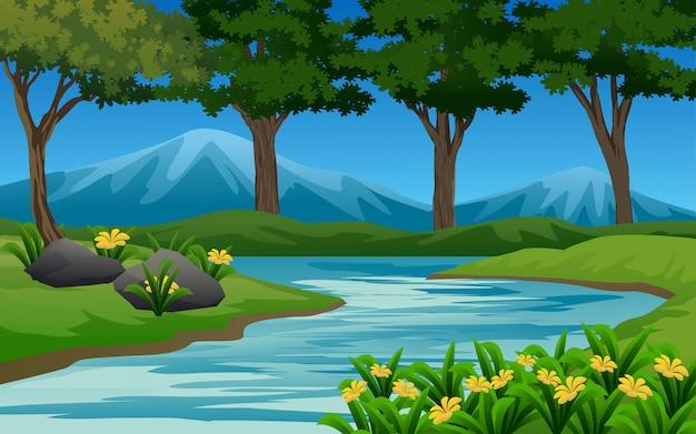 Lasu krajobraz z rzeką i górą