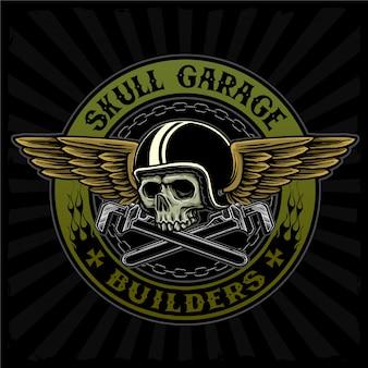 Latająca czaszka z kluczem nadaje się do logo klubu motocyklowego lub warsztatu