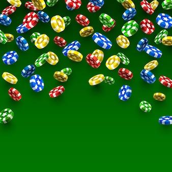 Latające kasyno żetony na zielonym tle. ilustracja wektorowa